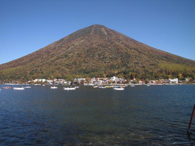 2012.10.20 D -  002 中禅寺湖畔.JPG