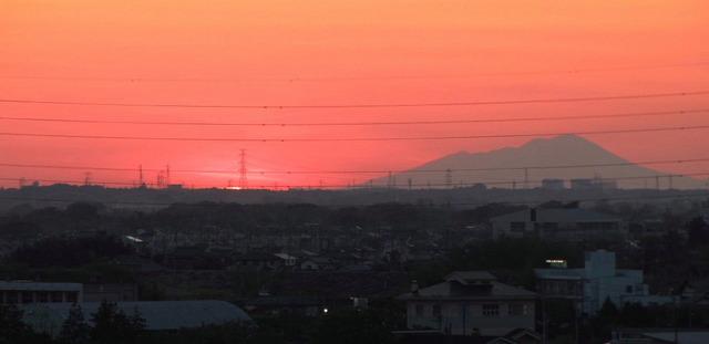 2013.04.28 (夕陽と浅間山)- 002B  (1024×499).jpg