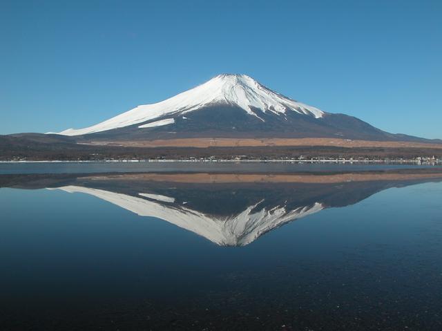 富士山  ( 山中湖畔 2006.02.15 ).JPG