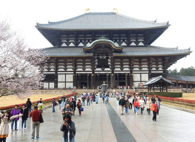 2015.03.29E 21 (16:10から17:30 頃)奈良東大寺.jpg