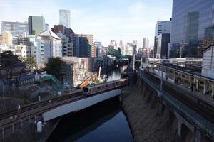 25%神田川御茶ノ水駅.jpg