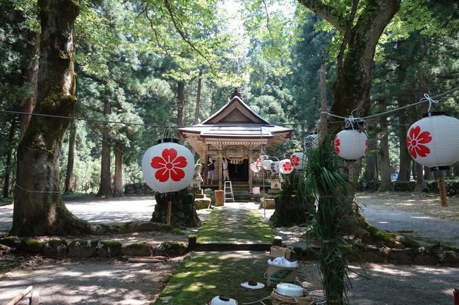 藤原神社祭り準備25%1.jpg