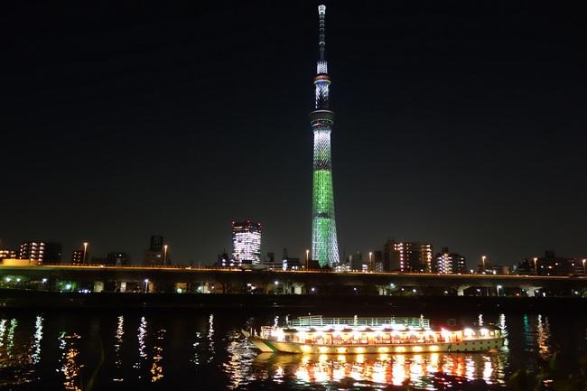 20131202スカイツリークリスマスバージョン屋形船.jpg