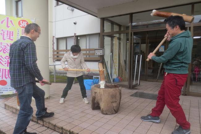 H26-11-23秋もち会餅つき4.jpg