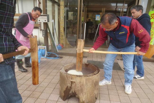 H26-11-23秋もち会餅つき2.jpg